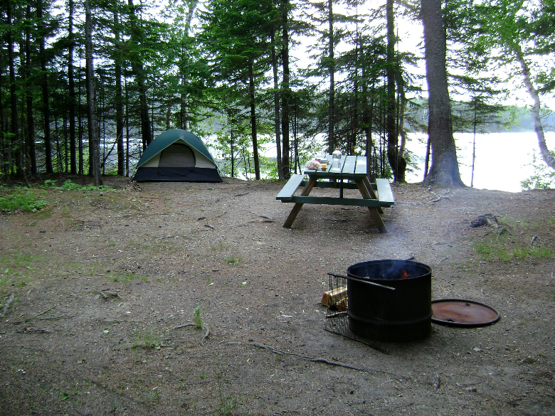 camp on canadian border